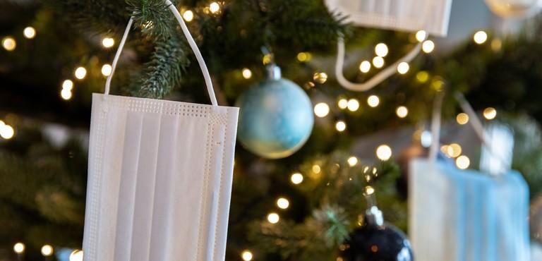 """Covid-19, Giuseppe Conte: """"Dobbiamo prepararci a un Natale più sobrio"""". Ecco cosa potrebbe cambiare"""