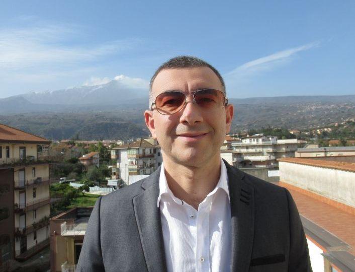 L'avvocatoLeo Patanè si candida a sindaco dei giarresi per rilanciare la città