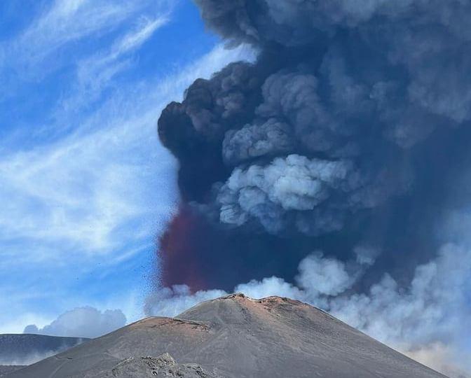 Etna, la nube eruttiva ha raggiunto quota 9000 metri
