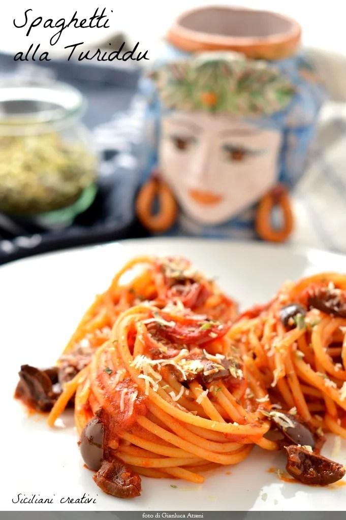 Spaghetti alla \'Turiddu\': Recette sicilienne