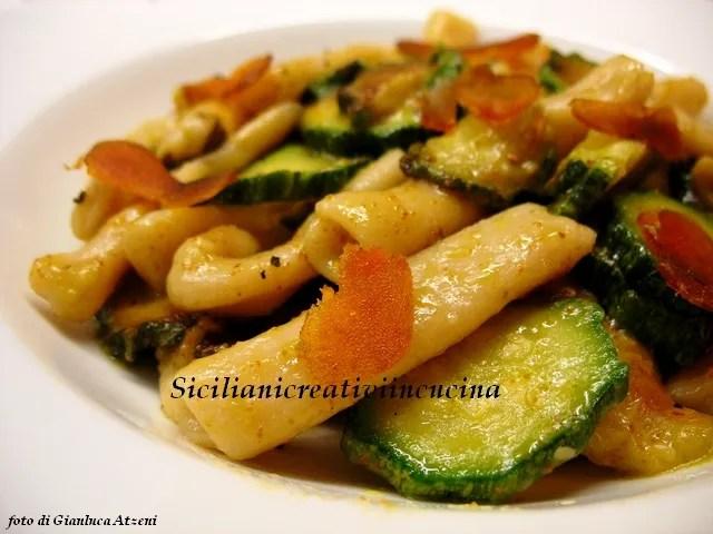 Busiati con zucchine e bottarga