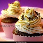 Cupcakes de chocolate con merengue italiano