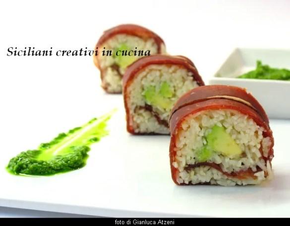 Sushi di bresaola e avocado