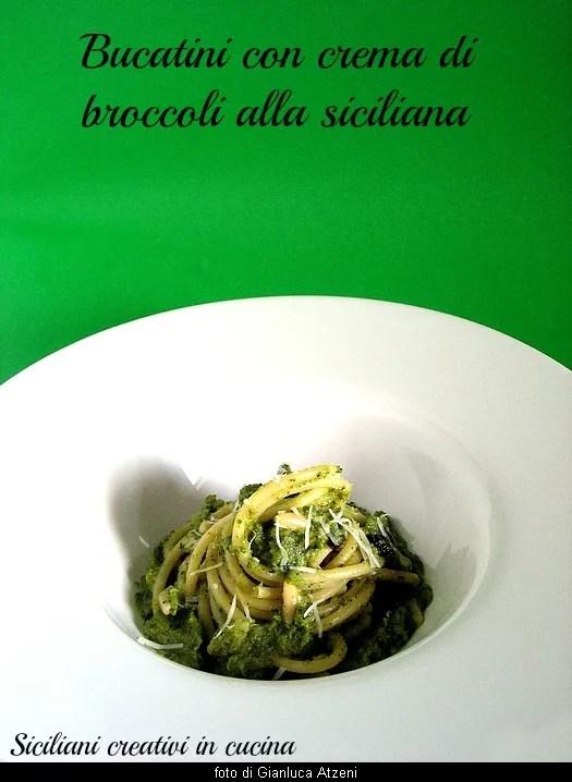 brokoli Sicilya ile Makarna, kolay tarif. Brokoli lezzetli bir krem haline. Kuru üzüm ve çam fıstığı geleneksel eklenmesiyle
