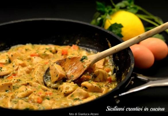 Fricassée de poulet: une cuisine Français classique pour un dîner important