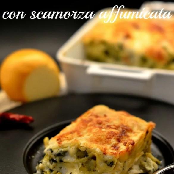 Cremose e vegetariane, le lasagne bianche con broccoli e scamorza sono perfette per i menu delle feste