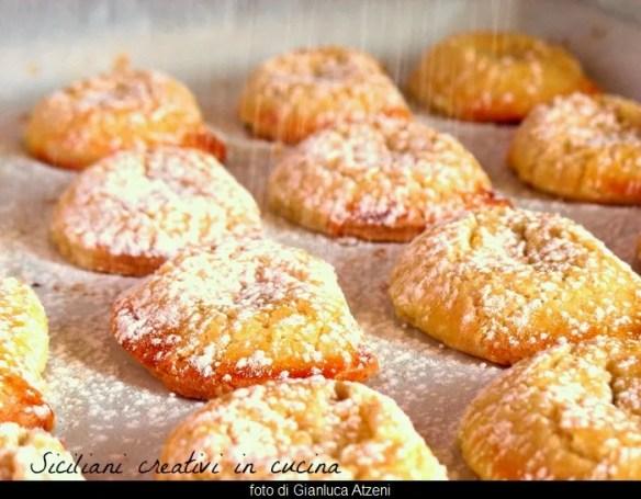 Cassatelle siciliane di ricotta e cioccolato al forno
