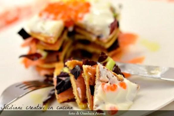 Pancakes di avena con salmone e panna acida