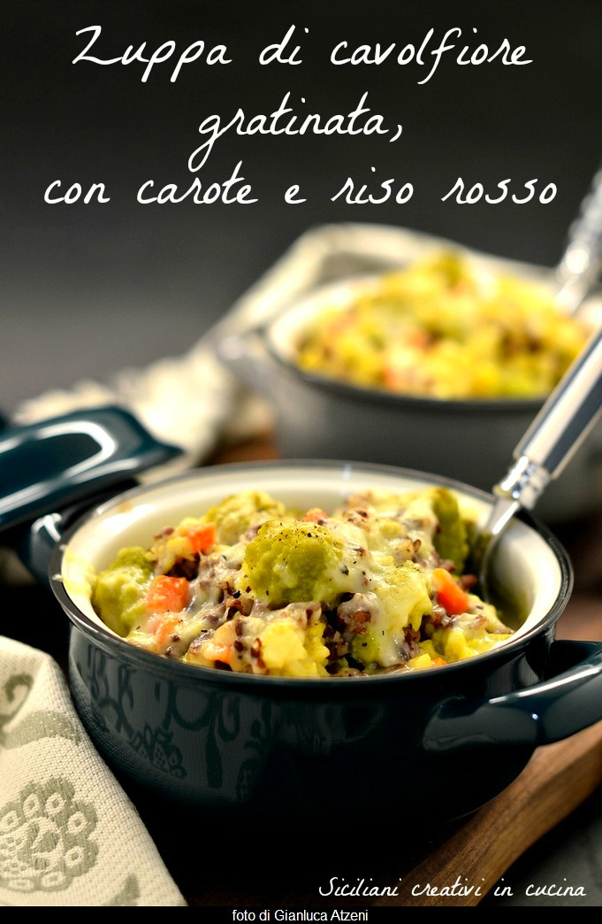 Gratinated cauliflower soup, with carrots and red rice
