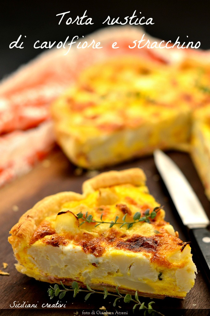 Pastel rústico de coliflor y queso