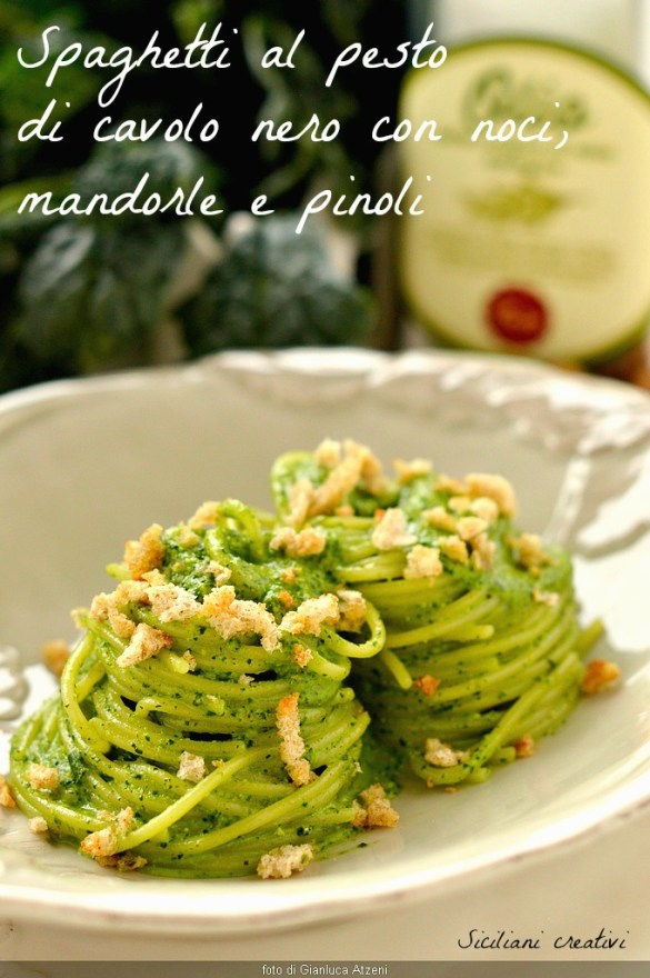 Spaghetti al pesto of cabbage with walnuts, almonds and pine nuts