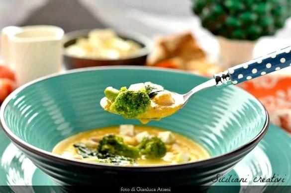 Crema di ceci e curcuma, broccoletti ripassati e tosela