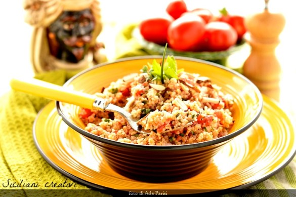 Bulgur con pomodori ed erbe aromatiche