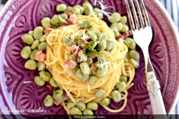 Spaghetti con fave pancetta e pecorino