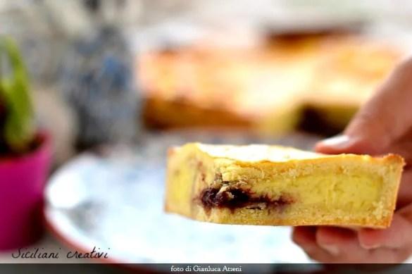 Crostata di crema pasticcera e confettura di fragole