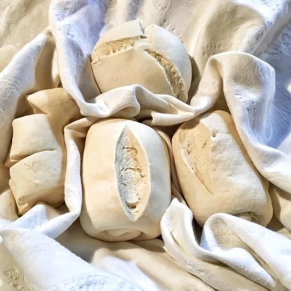 Los italianos en cuarentena han aprendido a hacer pan