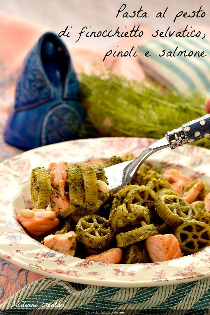 Pasta with pesto of wild fennel, pine nuts and salmon