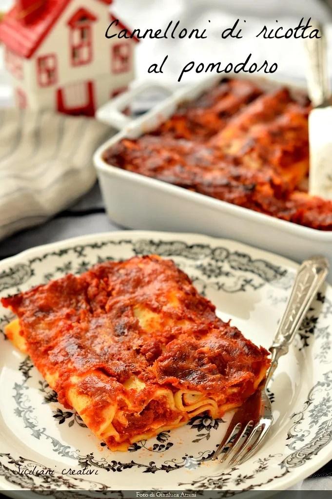Cannelloni ricotta cheese and tomato