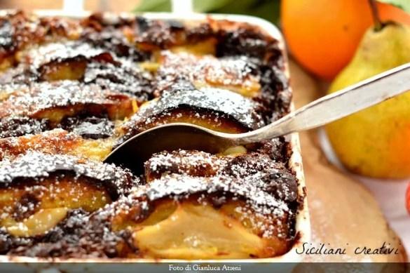 Pudding di panettone, pere e cioccolato