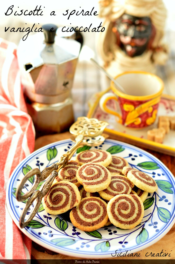 Spiral vanilla and chocolate biscuits: easy and delicious