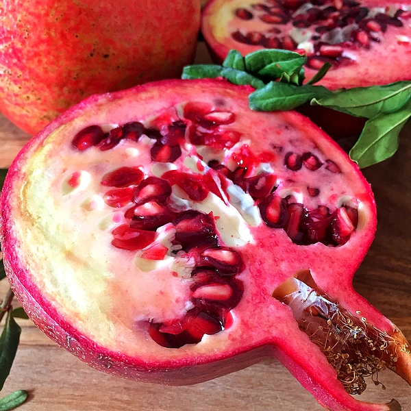Pomegranate in the kitchen: Property, benefits and use