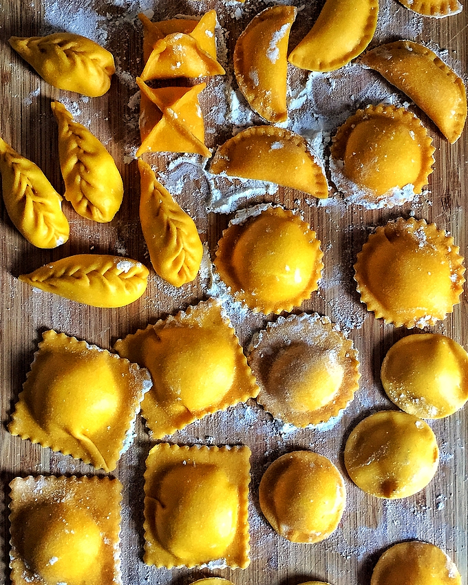 Homemade ravioli: dough, forms and fillings
