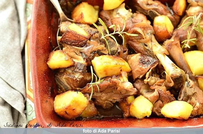 Kid gebacken Sizilianer mit Kartoffeln