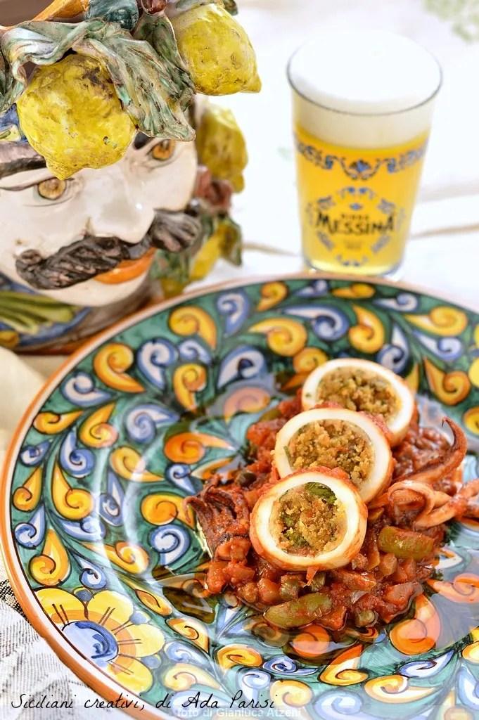Squid gefüllt mit verlockend, Messina: typisch sizilianisches Rezept