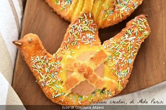 Pupi cu l'ova siciliani o cuddure: dolce della tradizione pasquale