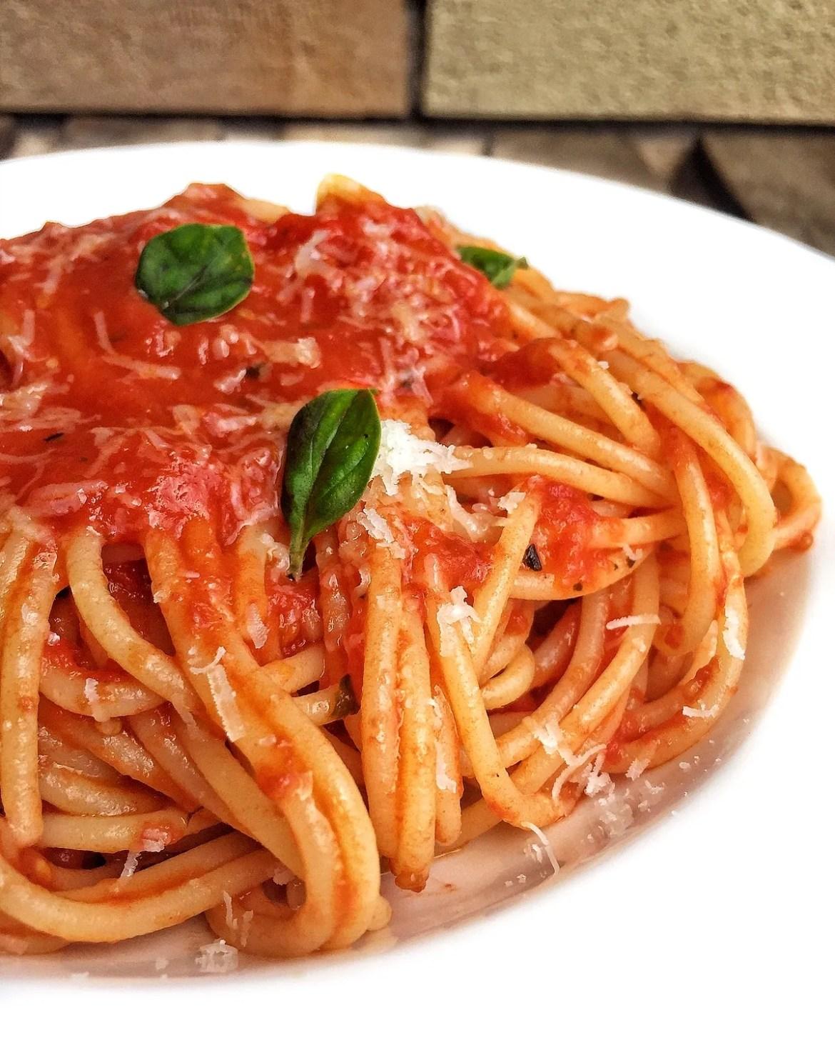 Salsa de tomate fresco casero