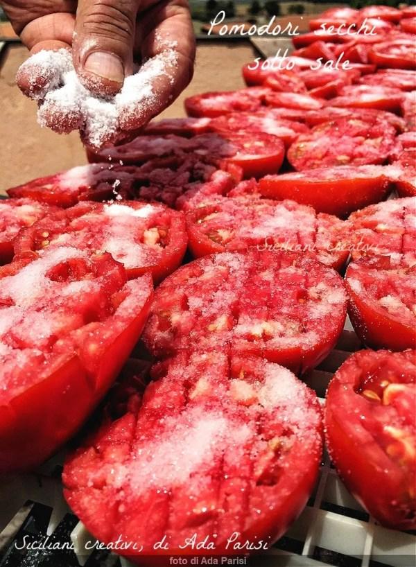 Pomodori secchi sotto sale