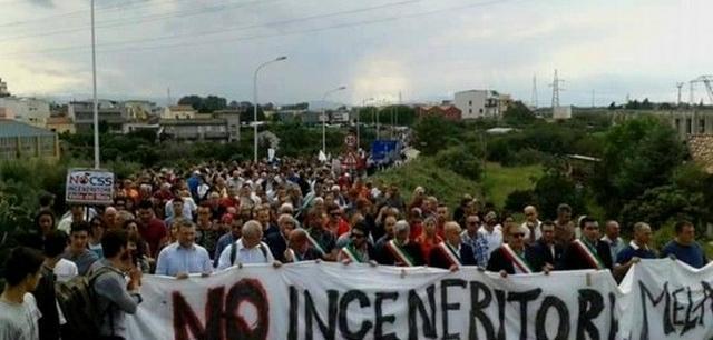 """Milazzo, Siciliani Liberi in piazza per dire no all'inceneritore:""""Ennesimo atto di sfruttamento coloniale"""""""