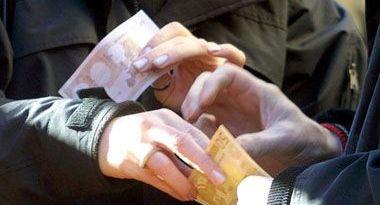 Sanità Sicilia, 10 arresti per corruzione in appalti milionari: c'è anche il coordinatore regionale COVID-19