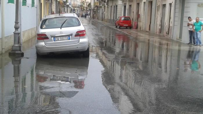 #Barcellona. Tombini otturati, allagamenti e disagi ovunque