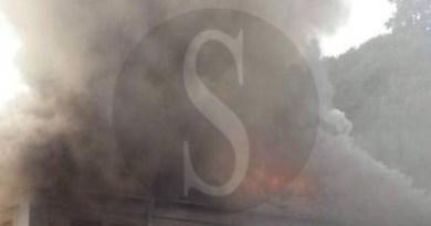 #Messina. A fuoco la scuola elementare di Mili San Pietro, si lotta per domare le fiamme