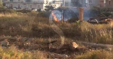 #Barcellona. Incendio in un deposito abbandonato in via Petrarca