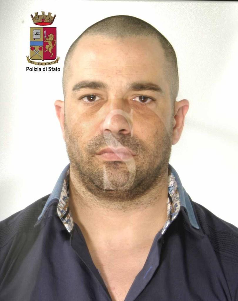 #Barcellona. Oltre mezzo chilo di droga nella cappa della cucina, la Polizia arresta pusher