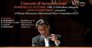Musica. Alexander Gadjiev inaugura la stagione dell'Accademia Filarmonica e dell'Accademia Vincenzo Bellini