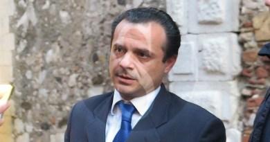 """Hotspot e Cas di Messina, il sindaco De Luca: """"Se non chiuderà il 24 agosto occuperò la Prefettura"""""""