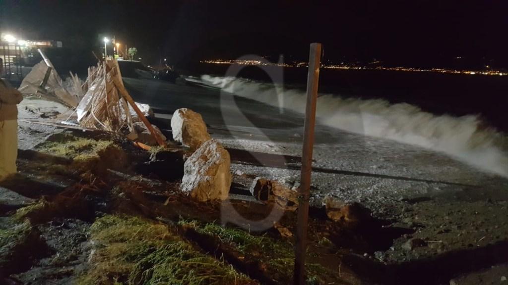 Cronaca. Forte mareggiata devasta il litorale a Galati Marina