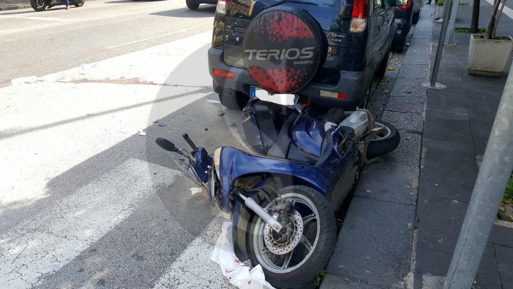 Cronaca. Messina, scontro tra auto e scooter: grave 55enne ricoverato al Policlinico in codice rosso