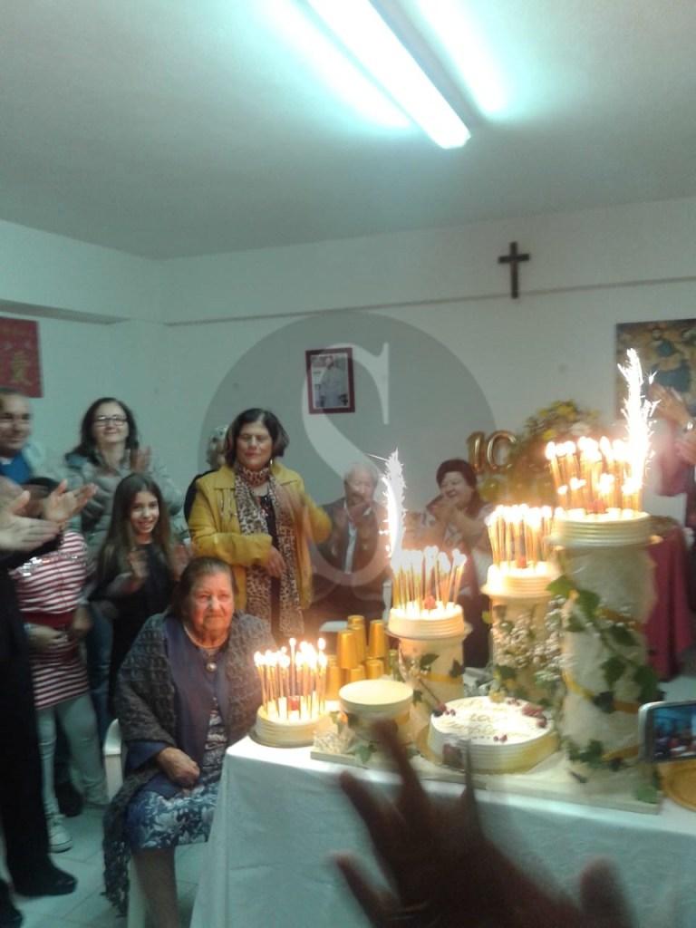 Attualità. Barcellona PG, nonna Carmela Isgrò ha festeggiato i 100 anni di vita