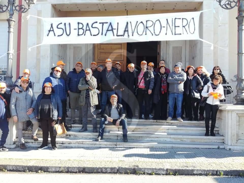 Cronaca. I precari Asu dei comuni di Barcellona PG, Terme Vigliatore e Merì in sciopero