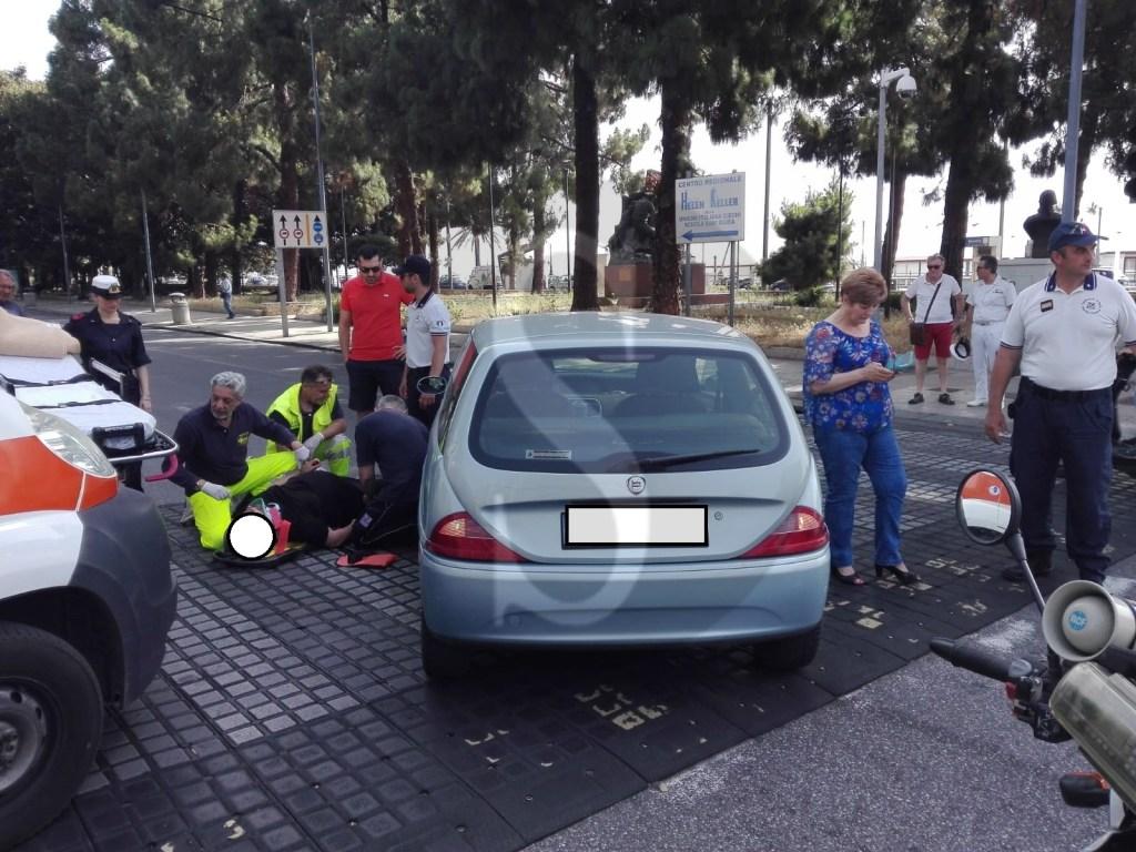 Messina, incidente tra viale Boccetta e via Garibaldi: 53enne al Papardo con il femore rotto