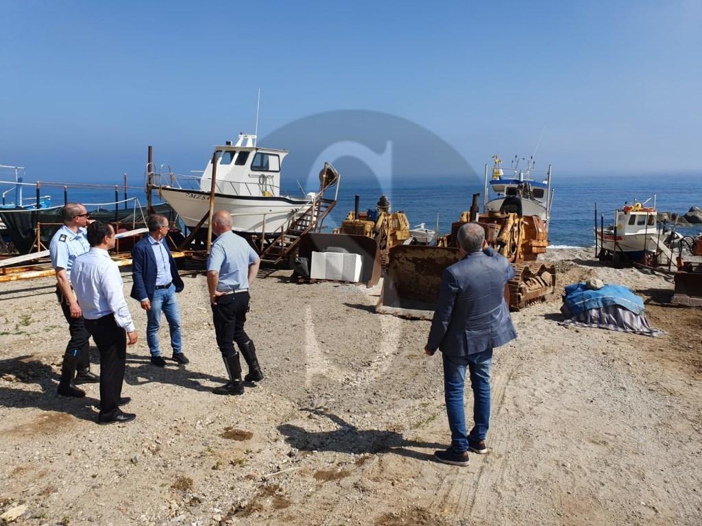 Operazione Spiagge ad Acqualadroni: blitz interforze contro abusivismo e degrado