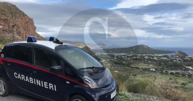 Rissa a Vulcano, i Carabinieri arrestano tre giovani