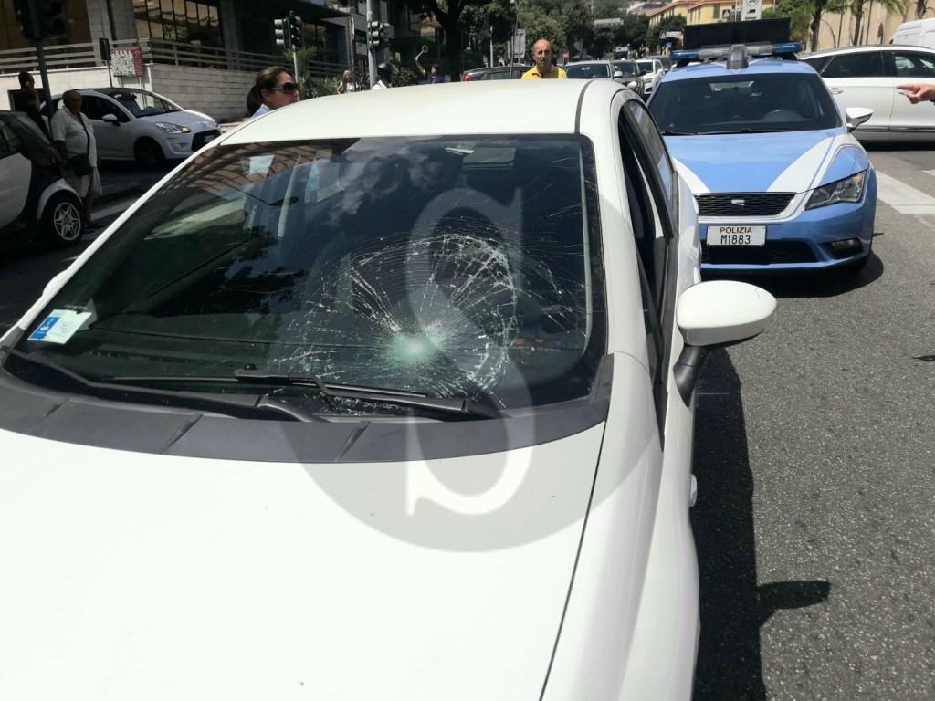 Messina, grave incidente sul viale Boccetta: pedone travolto da una macchina