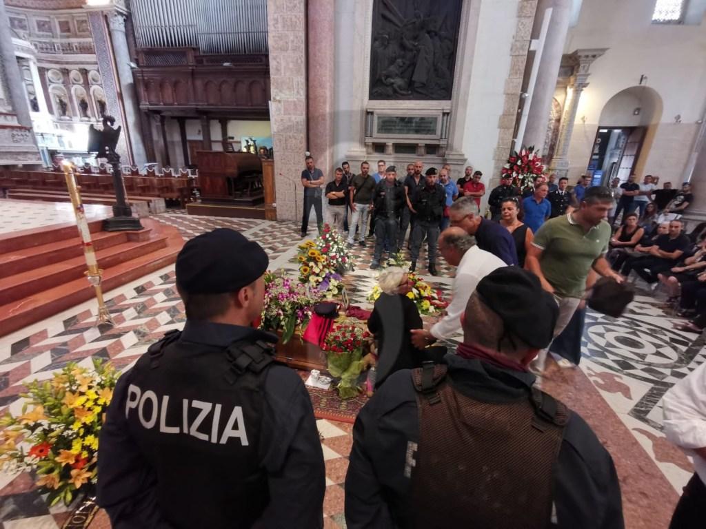 Messina, l'addio commosso della città al poliziotto Salvatore D'Anna
