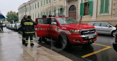 Messina, fiume d'acqua da uno stabile in via Brescia: intervento dei Vigili del Fuoco
