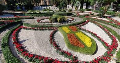 Messina, corteo di auto e motorini al funerale del fratello dell'ex boss Sparacio: polemiche in città